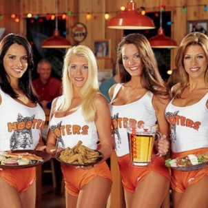 Cleavage, beer and fast food: Hooters comes to Catalonia