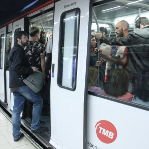 Barcelona metro to open late for the Super Cup match