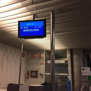 """Airport worker to a Mallorcan: """"Speak Spanish to me!"""""""