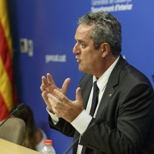 Catalan government doesn't accept Spain taking control of Mossos regional police