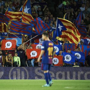 Thousands of Spanish flags but no 'estelades' to be at La Liga match in US