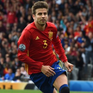 Calls for Piqué to be kicked out of Spanish national team for supporting Catalan referendum