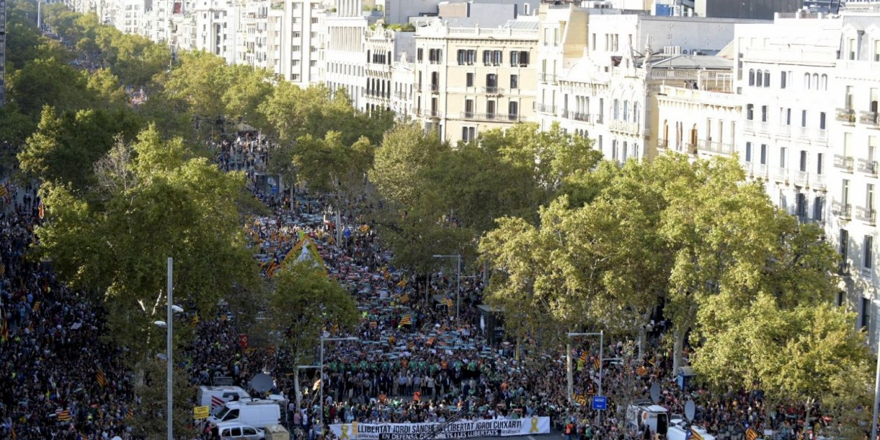 Massive Catalan call to free jailed leaders and oppose Madrid's direct rule