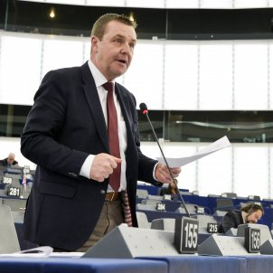 Seven MEPs will visit Catalan prisoners in the end, despite Spain's obstacles