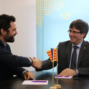 Puigdemont and Torrent in contact to solve the crisis