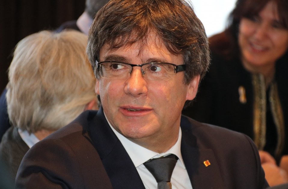 Prosecutors in favour of applying to extradite Puigdemont solely for rebellion
