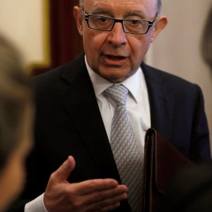 Spanish treasury minister categorically denies referendum was paid for with public money