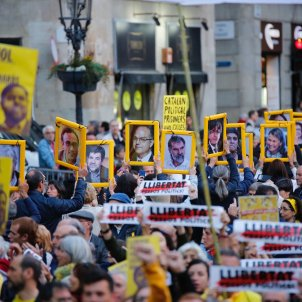 Effects of article 155 intervention in Catalonia: 259 fired, 7 in exile, 9 in prison