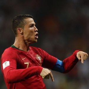 Cristiano Ronaldo extends Spain's crisis (3-3)