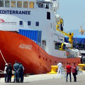 Spain to accept 60 migrants from the Aquarius after agreement with other European countries