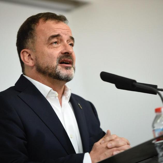 Bosch steps aside and backs Ernest Maragall to be Barcelona mayor