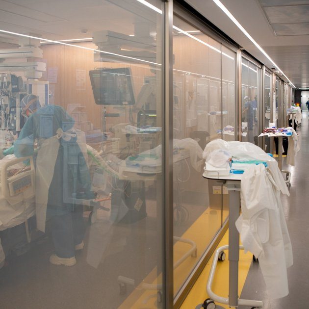 Catalonia's intensive care units, running at 200% of capacity due to coronavirus