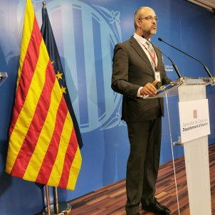 Catalan police are clamping down on Easter trips to second homes, says minister