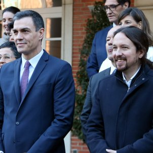 VIDEO | Target practice against photos of Spanish leaders Sánchez and Iglesias