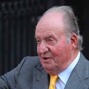 'Financial Times' article says Spain's Juan Carlos problem comes from its constitution