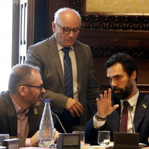 Catalan Parliament won't sack official who censored resolutions it had approved