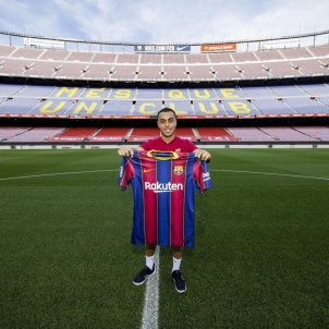 Barça signs its first US player: 19-year-old Sergiño Dest