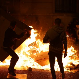 Street violence in central Barcelona after protest against Covid restrictions