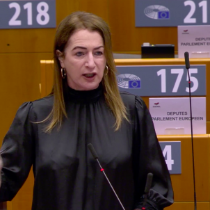 Irish MEP Clare Daly directly accuses the EU of avoiding the issue of Catalonia