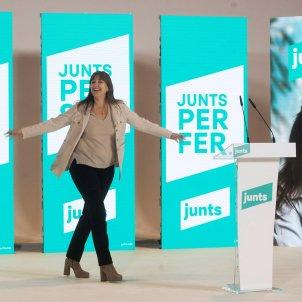 JxCat's Borràs invites rivals to three-way debate as polls show tight Catalan race