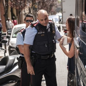Cases opened against two journalists for entering a sealed flat in Ripoll