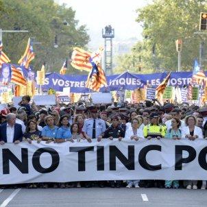 'No tinc por' demonstration fills Barcelona; king and Spanish PM Rajoy booed