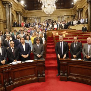 Catalan Parliament passes Referendum Law after hours of fighting