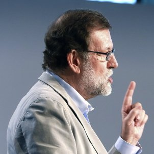 Spanish PM Rajoy threatens independence supporters, says they're underestimating the state