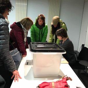 Court summons for Catalan teachers after class debate on referendum