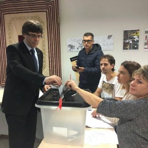 Catalan police detected Civil Guard operation to prevent president Puigdemont from voting