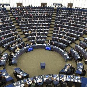 European Parliament unanimously condemns police repression in Catalonia