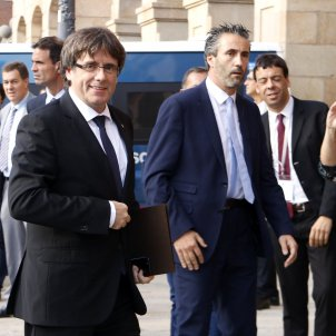 Puigdemont declares independence, but suspended to allow for dialogue