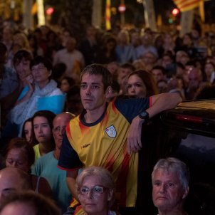 Disillusion and long faces among independence supporters after Puigdemont's speech