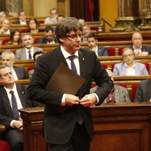 """Puigdemont offers dialogue """"without conditions"""" and proposes two negotiators per government"""