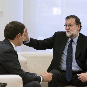 Rajoy and Rivera meet to discuss Catalonia while pressure mounts on Arrimadas