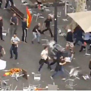 Battle between rival pro-Spain groups in downtown Barcelona