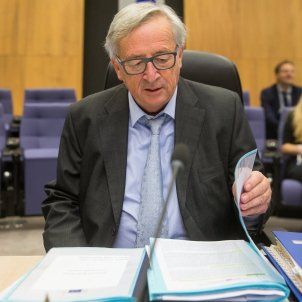Juncker says he cannot mediate without a request from Spain too