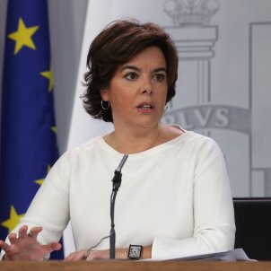 """Spanish deputy PM builds pressure on Puigdemont claiming risk of """"recession"""" in Catalonia"""