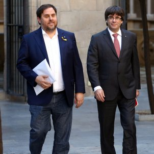 Survey: Puigdemont, Junqueras to win European Parliament seats, PSOE largest party in Spain