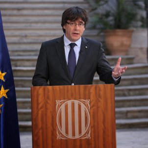 Puigdemont, continuing normally as president, calls for democratic opposition to 155