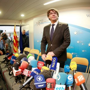 Spain's Public Prosecutor requests international arrest warrant for Puigdemont, ministers in Belgium