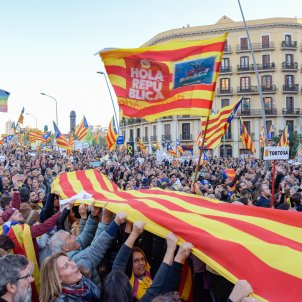 Avinguda Diagonal filling up for Catalonia's 'Diada' march on Tuesday