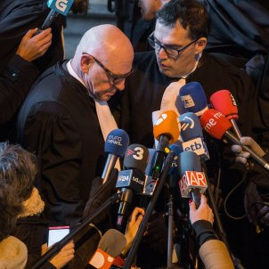 Belgian prosecutors ask for Puigdemont and ministers to be extradited