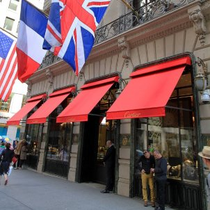 Cartier store in New York offers festive greetings in Catalan