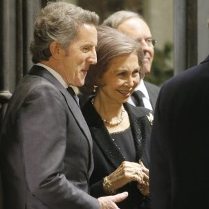 Spain's queen Sofia reportedly having an affair with the duchess of Alba's widower