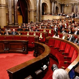 Catalan parliament recognises right to govern of Puigdemont, Sànchez and Turull
