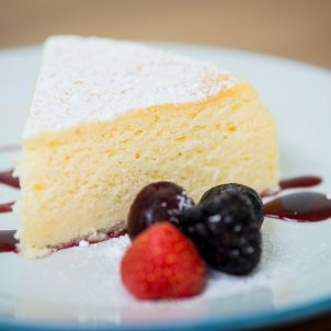 A cheesecake which only needs 3 ingredients