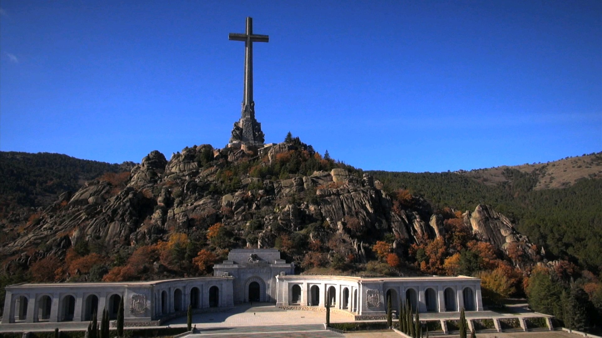 Spanish left alarmed by problems exhuming Franco