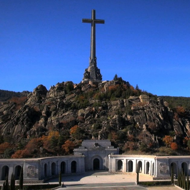 Franco's tomb to be closed on Spain's national day to prepare the dictator's exhumation