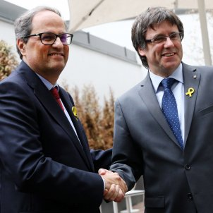 Torra and Puigdemont ask Rajoy for urgent dialogue and the end of intervention in Catalonia